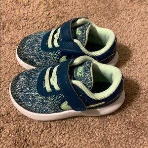 Toddler's Nike Flex Contact Shoes Size 7c